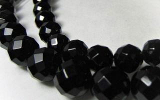 Оникс и его магические свойства, применение камня в магии и в качестве украшений, оникс для отделки предметов интерьера