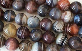 Агат и его разновидности: характеристики и свойства камней, лечебные и магические качества, каким знакам подходит агат