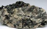 Металл цирконий: какими химическими свойствами обладает, применение металлического элемента в медицине
