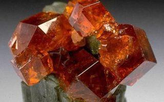 Гроссуляр — камень-крыжовник, физические, медицинские и магические свойства