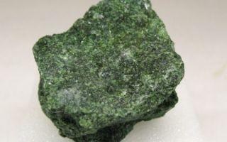 Актинолит: особенности и фото этого минерала, как с помощью такого камня вылечиться от болезней