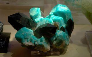 Амазонит камень: свойства и кому подходит по зодиаку