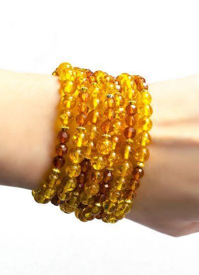 Как носить янтарный браслет?