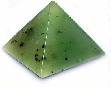 Нефрит пятнистый серовато-зелёный