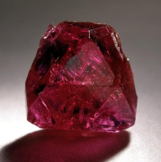 Рукотворные минералы