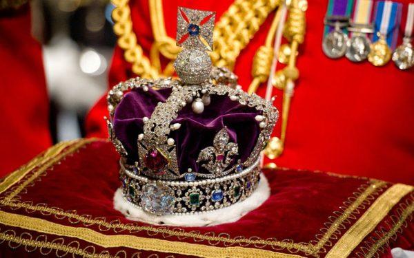 камень в короне