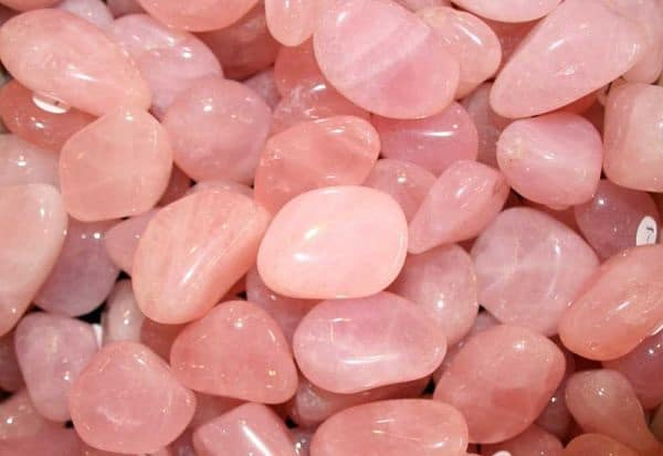 Розовый камень кварц и его лечебные, полезные и магические свойства